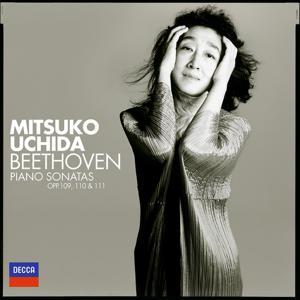 Beethoven: Piano Sonatas Nos.30, 31 & 32