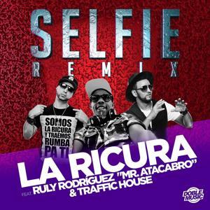 Selfie (feat. Ruly Rodríguez