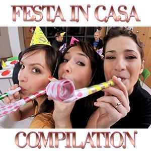 Festa In Casa Medley 2: Fiesta Macarena / Disco Samba / Volare / La Bomba / Live Is Life / Salta / Let'S Get Loud / Mambo Italiano / Vamos a Bailar / La Banana / 2 The Night / Macarena / La Bamba / E-o-Tchan / Whenever Wherever / Porompompero / Asereje /